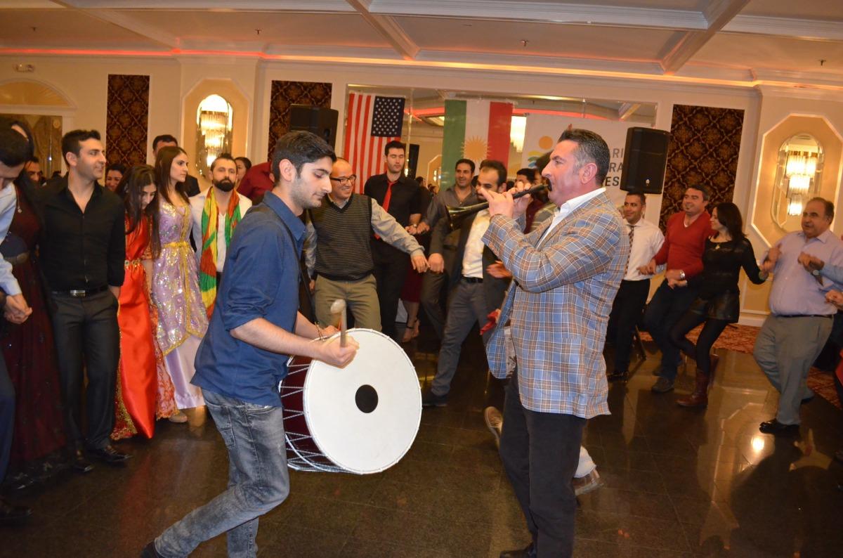 Amerika'da davul zurnalı Newroz kutlaması