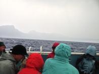 Hava iyice bozdu! Biz buraya nasıl düştük? Bu havada en son olmak isteyeceğimiz yer gölün ortasında bir teknede olmak olurdu.